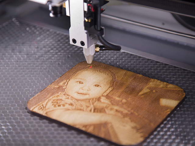 co2 laser cutter_Wood_cut_engrave_Watts_hobby_muse_pro_raster_Focus Head_