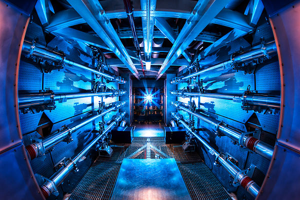 600px-Preamplifier_at_the_National_Ignition_Facility