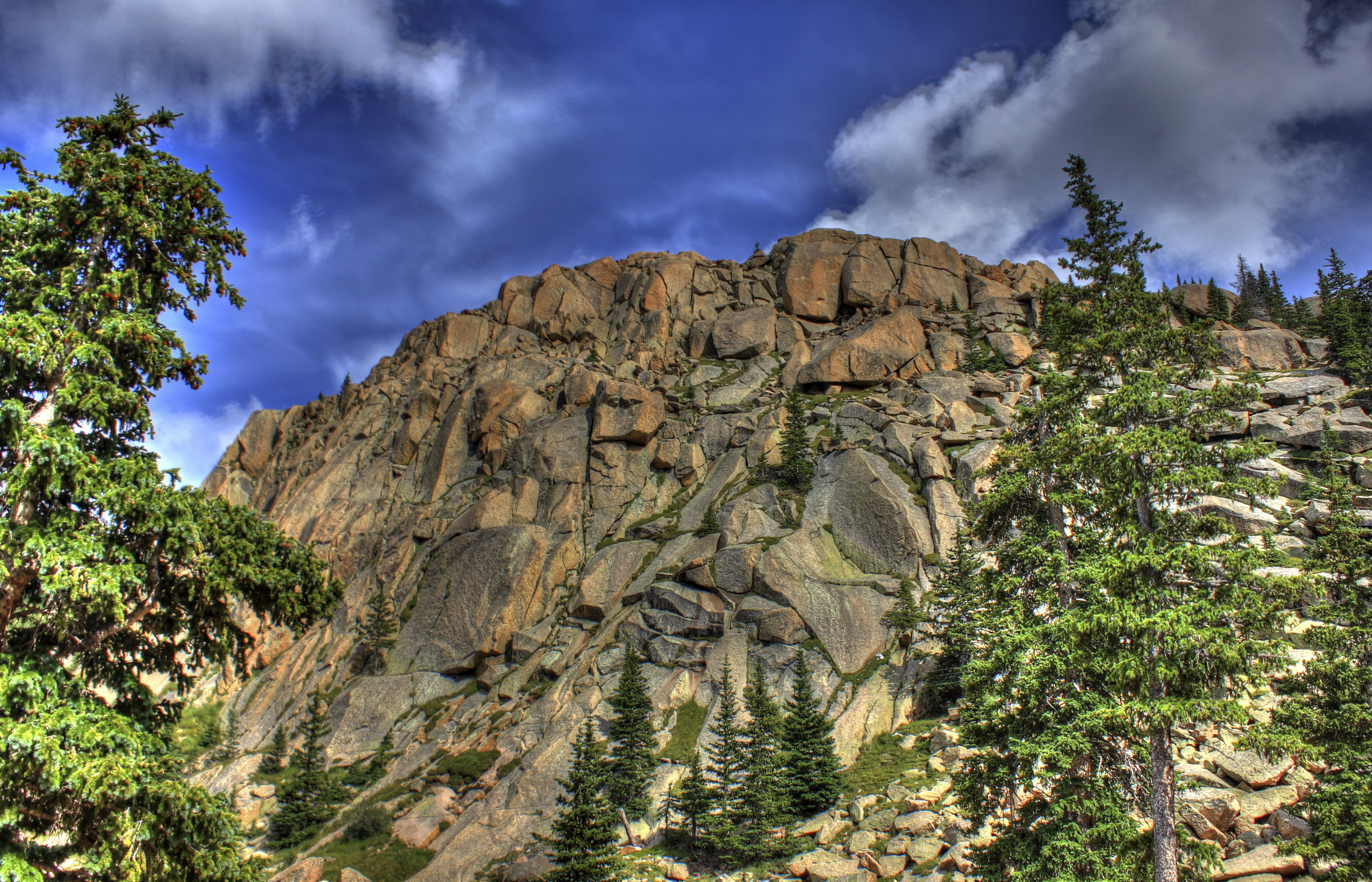 colorado-pikes-peak-stone-sphire